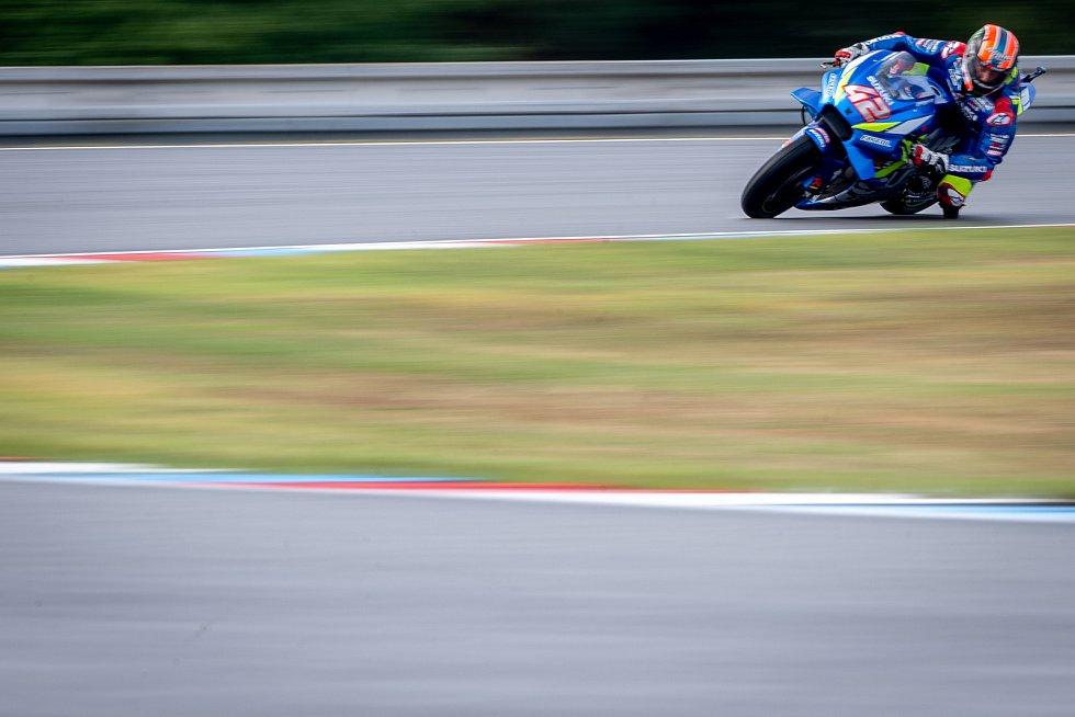 Volný trénink na Velkou cenu České republiky, závod mistrovství světa silničních motocyklů v Brně 3. srpna 2019. Na snímku Alex Rins (SPA).