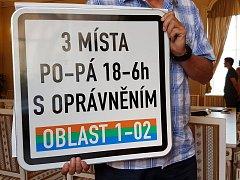 Nové dopravní značení k parkovacím zónám v Brně.