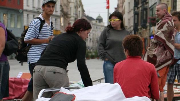 Ranní pohoda na náměstí Svobody.
