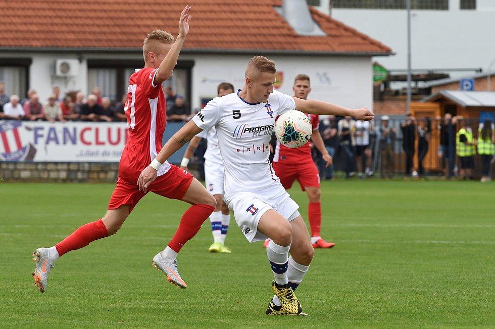 29.8.2020 - domácí SK Líšeň v bílém (Michal Jeřábek) proti FK Blansko