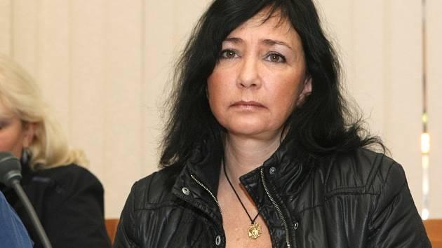 Radka Pojerová u brněnského soudu.