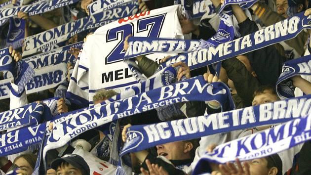 Fanoušci Komety v brněnské hale Rondo.