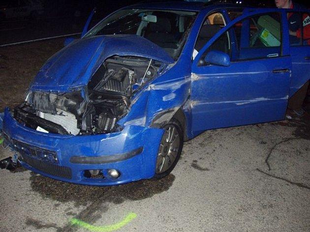 Nehoda osobních automobilů.