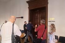 Šest let vězení. Soud shledal Davida Kučeru vinným z pokusu o těžké ublížení na zdraví.