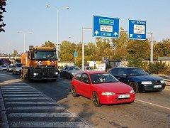 Stroje ani dělníci v Žabovřeské ulici v Brně zatím vidět nejsou.