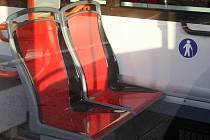 Problémové klouzavé sedačky.
