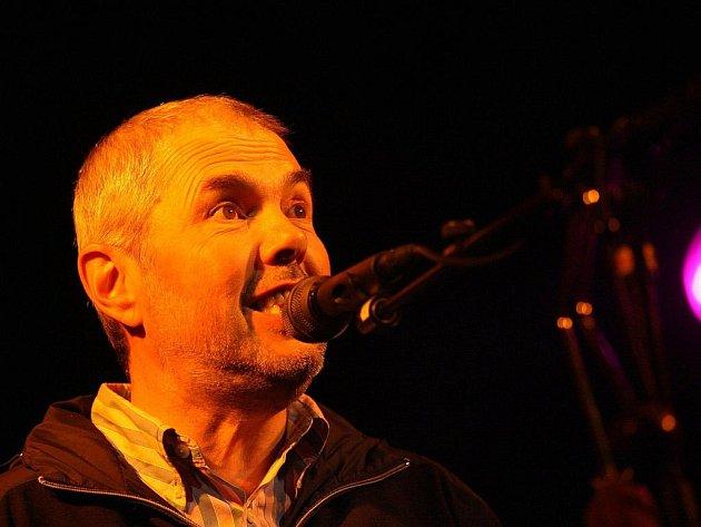 Bratrské trio v pátek vystoupilo v brněnském Semilasse a zahrálo písně z alba Chlebíčky.