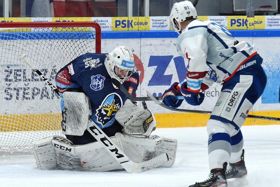 Brno 1.3.2020 - domácí HC Kometa Brno (bílá) proti Rytířům Kladno Adam Brízgala (modrá)