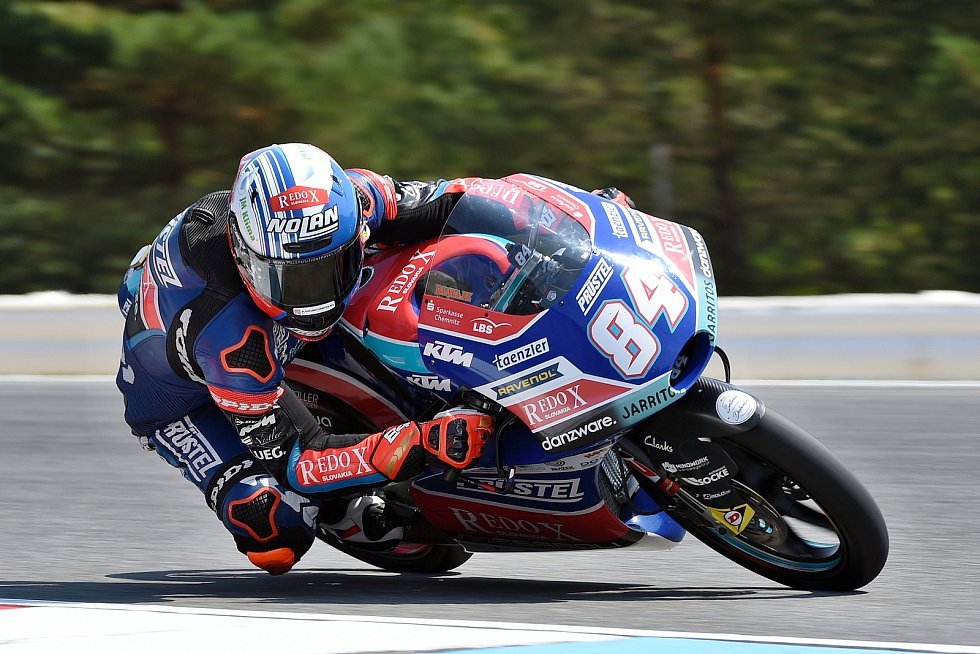 Vítěz sobotní kvalifikace Moto 3 Jakub Kornfeil