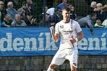 Domácí SK Líšeň v bílém proti MFK Vítkovice