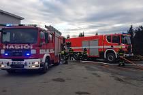 Požár haly likvidovali hasiči v sobotu v brněnské Vídeňské ulici. Škoda je šest milionů korun.