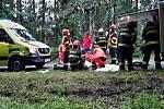 U Deblína havarovala řidička s dětmi. K nehodě letěl vrtulník.