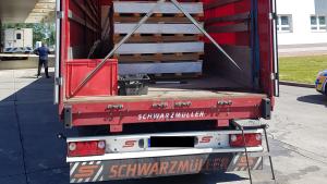 V kamionu se vezli íránští běženci.