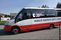Fakultní nemocnice v Bohunicích ve spolupráci s Jihomoravským krajem představili elektrobus, který bude sloužit jako mobilní odběrové místo.