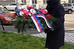 Hejtman Jan Grolich položil květiny k pomníku tří odbojů v Brně.