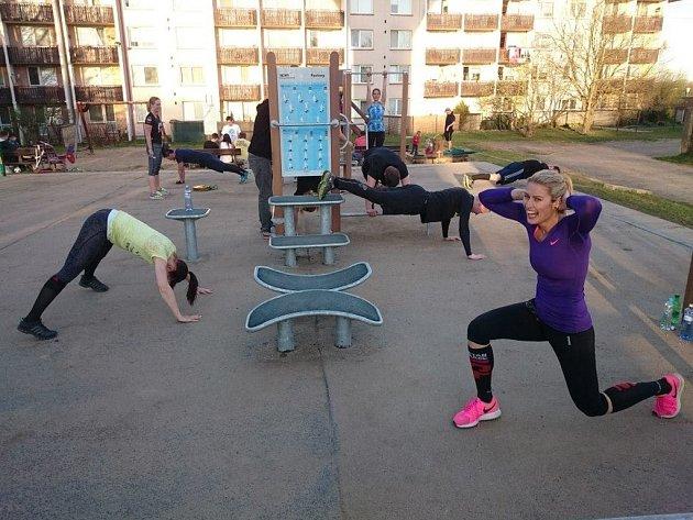 Zástupci Spartan Race Training Group Brno se scházejí několikrát týdně. Někdy jich trénuje ičtyřicet.