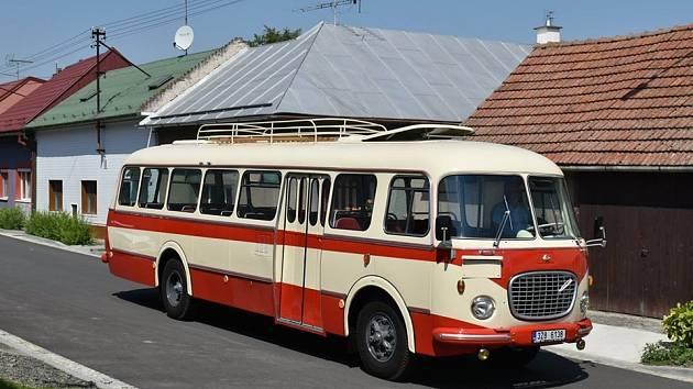 Brno má nový retro autobus. Lidé ho poprvé uvidí za necelý týden