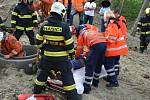 Úterní záchranná akce muže, který u Brněnské přehrady spadl do šachty.