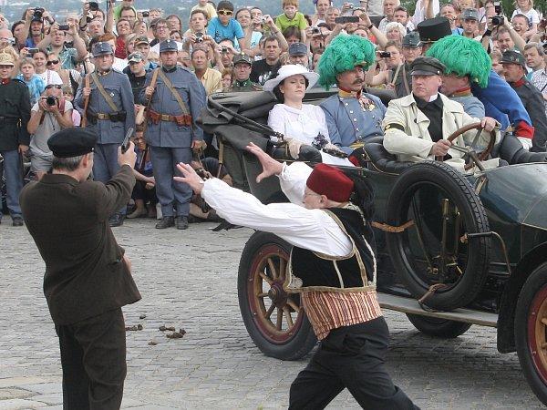 Atentát na Františka Ferdinanda d´Este při rekonstrukci vBrně.