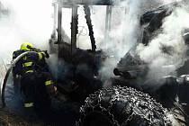 V Braníškově na Brněnsku hořel ve čtvrtek dopoledne traktor. Požár způsobil škodu dva miliony korun.