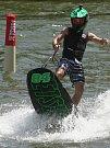 Jezdci Moto GP si na Brněnské přehradě vyzkoušeli jízdu na JetSurfu - Jakub Kornfeil.