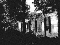 Tato fotografie byla pořízena v roce 1962 krátce před zbořením táborových baráků.