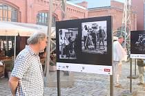 Zahájení výstavy ke stoletému výročí založení Asociace českých kameramanů u brněnské Galerie Vaňkovka.