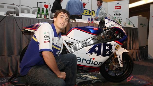 Karel Abraham představil novou motorku.