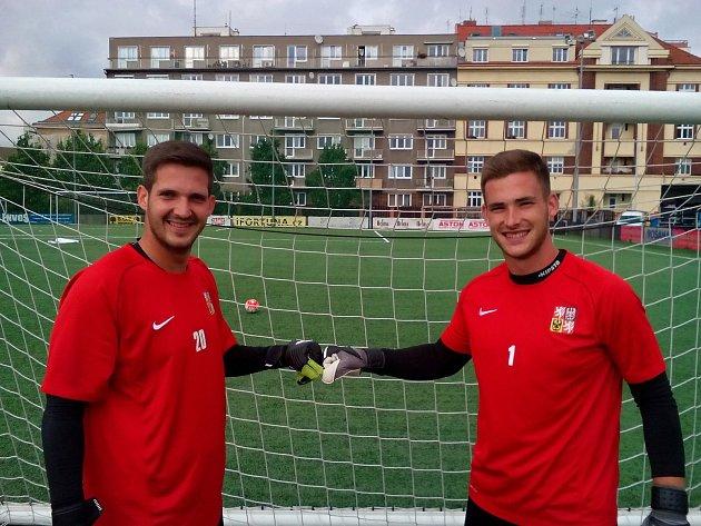Brankářskou pozici v české reprezentaci do 21 let v malém fotbalu si dělí (zleva) Václav Šlégr a Dominik Kunický.