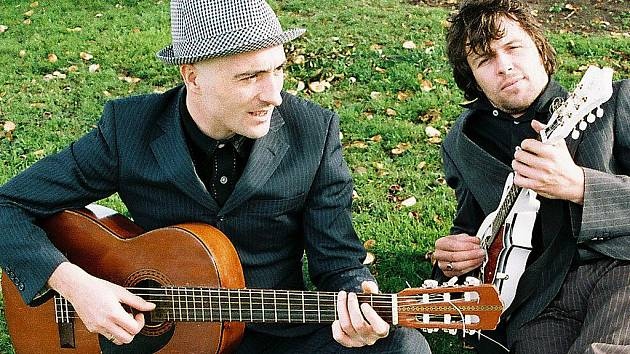 Frontman skupiny The Pale Matthew Devereux a Shane Wearen.