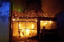 Požár stavení v Mělčanech.