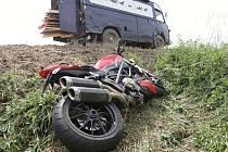 Nehoda motorky a dodávky u Moravských Knínic na Brněnsku.