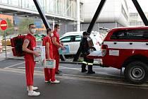 Mobilní očkovací tým z bohunické fakultní nemocnice vyjel do domovů důchodců.