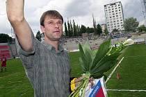 S brněnským klubem, kde strávil osm a půl roku, se gólman Luboš Přibyl rozloučil 10. května 2003. Teď míří zpět.
