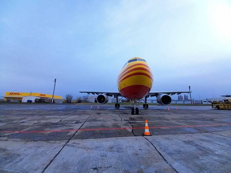 Na brněnském letišti nečekaně přistál Airbus A300.