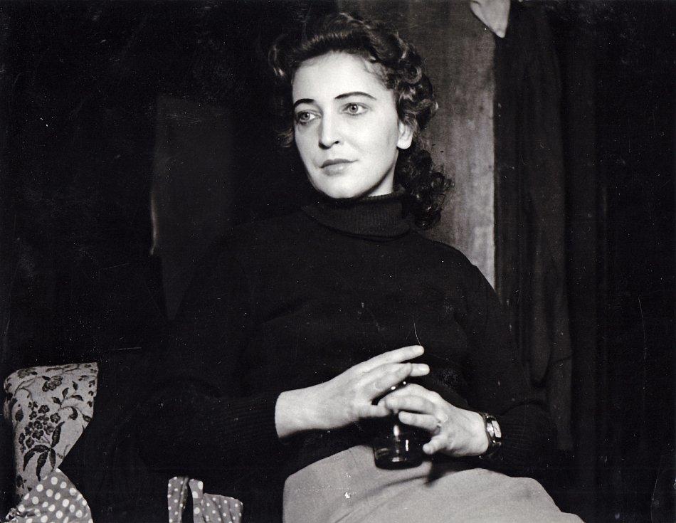 Helena Kružíková jako Anna Walterová v inscenaci Národního divadla Brno Poslední dějství v roce 1958.