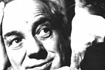 KREATIVNÍ A VŠESTRANNÝ. Organizátor kulturního dění a dlouholetý ředitel Domu umění Adolf Kroupa v roce 1964.