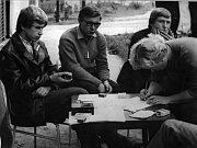 Lidé měli velkou potřebu diskutovat. Záběr na shromáždění v Boskovicích 21. 8. 1968.