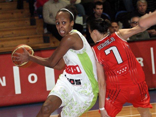 ILUSTRAČNÍ FOTO: Basketbalistky brněnského Imosu.