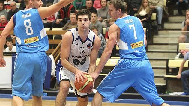 Basketbalisté Mmcité Brno prohráli v domácím duelu s prostějovskými Orly 66:91.