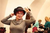 Přinést několik kousků z vlastního šatníku a odnést si domů namísto nich jiné. Takový princip měl středeční výměnný bazar klobouků na Špilberku.