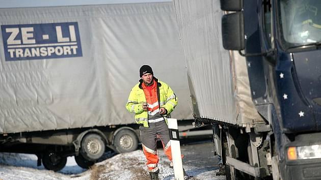 Dopravní nehoda na 172. kilometru dálnice D1 ve směru na Brno.