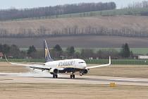 Letiště Brno - přílet letadla z Bergama v Itálii