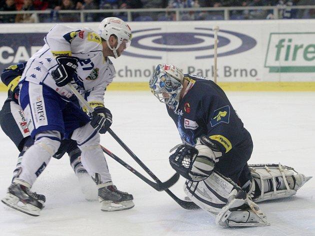 Liberec Brno doma porazilo 3:0. Své trefy rozprostřelo rovnoměrně do všech třetin. Dvakrát slavil gól obrozený střelec Antonín Honejsek.