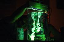 Vědecké centrum Vida od listopadu uvádí nové představení nazvané Klíč k tajemství světla. Součástí show jsou zábavné pokusy, které odhalují, proč některá tělesa samovolně svítí.
