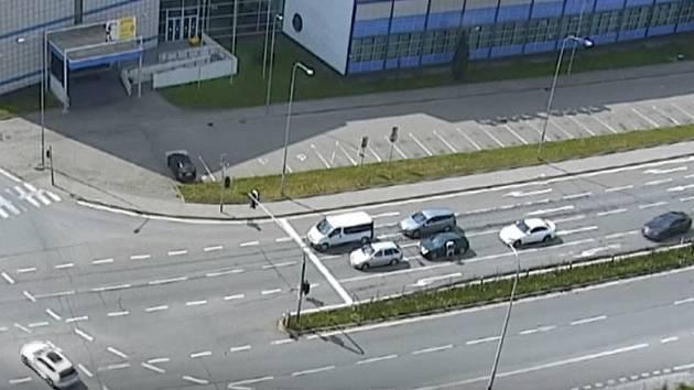 Konflikt na křižovatce v Heršpické ulici.