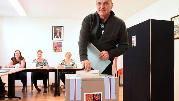 Brněnský primátor Petr Vokřál při volbách.