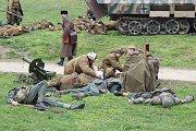Brno, 13.4.2019 - Oblíbená akce Veveří Eichhorn byla letos věnovaná bitvě z dubna 1945 mezi německou a Rudou armádou. Nadšenci lidem předvedli napadení německé jednotky ruskými kozáky a osvobození hradu Veveří.