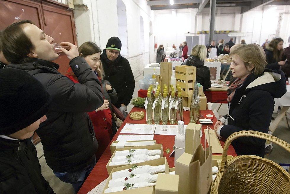 Nejrůznější laskominy, výběrová vína, domácí výrobky, ale i sýry z Holandska mohli v sobotu lidé letos naposledy ochutnávat na takzvaném Food Parku, který je označovaný jako největší potravinový trh na Moravě.