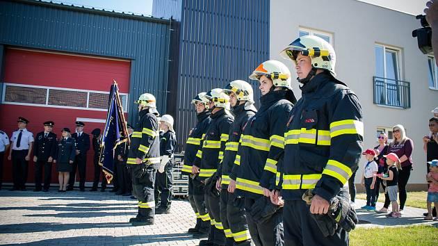 Dobrovolní hasiči ve Zbýšově ročně vyjíždí až k třiceti zásahům. Za rok oslaví sto dvacáté výročí.